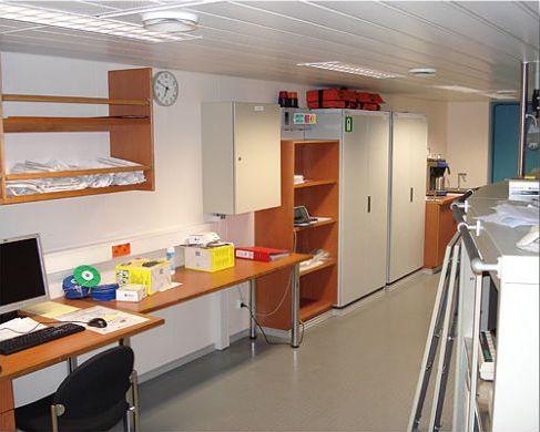 Kokonaistoimituksina laivojen toimistotiloja